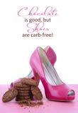 Rosa Schuh-und Schokoladen-Zitat des hohen Absatzes Lizenzfreie Stockfotos