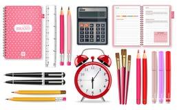 Rosa Schulbedarf Vektor realistisch Wecker-, Taschenrechner-, Notizbuch- und Stiftwerkzeuge Ausführliche Illustrationen 3d stock abbildung