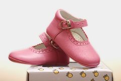 rosa skor Fotografering för Bildbyråer