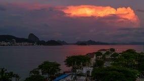rosa solnedgång Arkivfoton