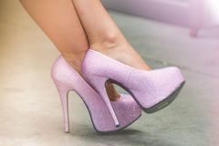 Rosa Stilett-Schuhe Stockfoto
