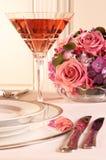 rosa tabell fotografering för bildbyråer
