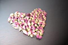 Rosa Tee in Form von Herzen Lizenzfreie Stockbilder