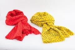 Rosa und gelbe Schals Lizenzfreies Stockfoto