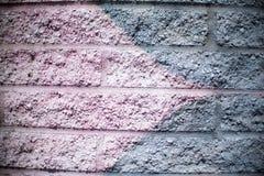 Rosa und silberner Gray Brick Wall Background Stockbilder