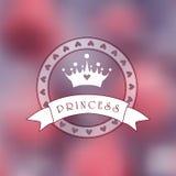 Rosa undeutliches Foto als Hintergrund mit Prinzessinlogo Stockfotografie