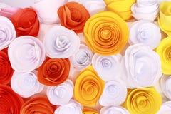 Rosa variopinta artificiale che è fatta a mano Fotografia Stock