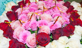 Rosa verblaßte Rosenblumenstrauß Stockbild