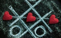 Rosa vermelha Cartão do dia dos Valentim Coração em um fundo de madeira Coração do amor Fotografia de Stock