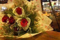 Rosa vermelha - dia do ` s do Valentim Fotos de Stock