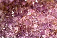 Rosa violett geod av makroen för kvartskristaller Fotografering för Bildbyråer