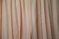 Rosa Vorhangbeschaffenheit als Hintergrund Lizenzfreie Stockfotografie