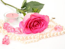 Rosa y velas del rosa Foto de archivo libre de regalías