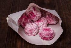 Rosafarbene Bonbons Stockfotos