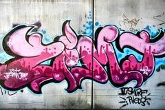 Rosafarbene Graffiti