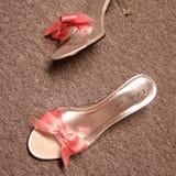 Rosafarbene Hochzeitsschuhe Lizenzfreies Stockfoto