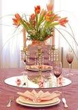 Rosafarbene Hochzeitstabellenanordnung Stockbilder
