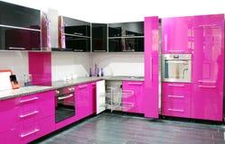Rosafarbene Küche Stockfotos