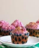 Rosafarbene kleine Kuchen Stockbild