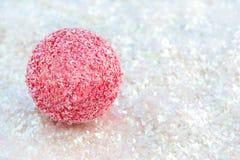 Rosafarbene Kugel auf Funkeln Lizenzfreies Stockfoto
