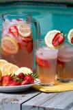 Rosafarbene Limonade Stockfoto