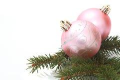 Rosafarbene Weihnachtskugeln Stockfoto