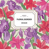 Rosafarbener Blumenrand Playnig mit Leuchte Weinlese Flourish-Frühlingskarte O Stockfotografie