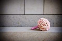 Rosafarbener Blumenstrauß lizenzfreies stockfoto