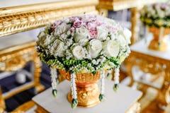Rosafarbener Blumenstrauß der romantischen Weinlese Stockfotografie
