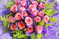 Rosafarbener Blumenstrauß des schönen Rosas Stockbilder