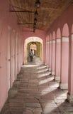 Rosafarbener Gehweg Stockfotografie