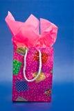 Rosafarbener Geschenk-Beutel und Papier Lizenzfreies Stockfoto