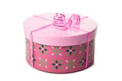 Rosafarbener Geschenkkasten mit dem Farbband getrennt Lizenzfreies Stockbild