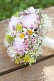 Rosafarbener Hochzeitsblumenstrauß Stockfotografie