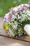 Rosafarbener Hochzeitsblumenstrauß Stockfotos