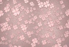 Rosafarbener Klee verlässt Hintergrund Stockbild