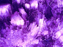 Rosafarbener Kristallhintergrund stockfoto