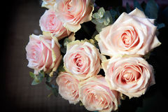 Rosafarbener Roseblumenstrauß Lizenzfreie Stockfotografie