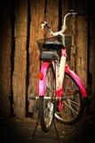 Rosafarbenes Fahrrad Lizenzfreie Stockfotos