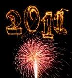 Rosafarbenes Feuerwerktreffendatum 2011 in den Sparklers Lizenzfreie Stockbilder