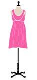 Rosafarbenes Kleid auf Mannequin Stockbilder
