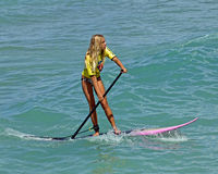 Rosafarbenes Paddleboard Stockfoto