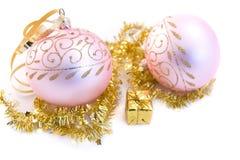 Rosafarbenes Weihnachtsglaskugeln Lizenzfreies Stockfoto