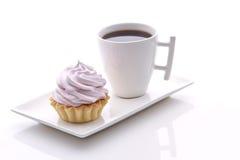 Rosakuchen und frash Kaffee Lizenzfreie Stockfotografie