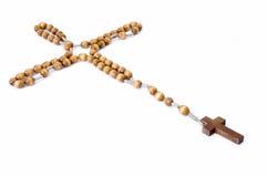 Rosario con la cruz, opinión de ángulo Foto de archivo