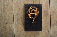 rosary ιερών συνόψεων χαντρών Στοκ εικόνα με δικαίωμα ελεύθερης χρήσης