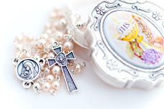 rosary μαργαριταριών κιβωτίων Στοκ εικόνα με δικαίωμα ελεύθερης χρήσης