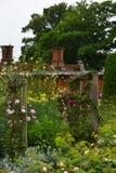 Rosas, abadía de Mottisfont, Hampshire, Inglaterra Fotos de archivo