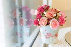 Rosas artificiais fotografia de stock royalty free