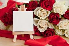 Rosas blancas y rojas Fotos de archivo